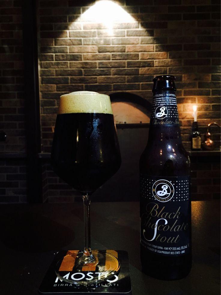 Noi la pioggia la combattiamo così  #mostó bevendo la Imperial Stout Brooklyn Chocolate  #mosto #brooklyn #chocolate #stout #imperial #birra #beer #birradelgiorno #brewery #brasserie #birreria