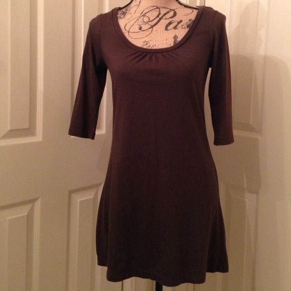 Brown Spring Dress Old Nave dress, size small. Brown with a scoop  neck neckline and 3/4 length sleeves.  Like new condition and never worn. Old Navy Dresses Mini