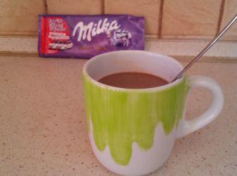 Milka forrócsoki recept   ApróSéf.hu: Nagyon szeretek új italokat és turmixokat alkotni, ez most a kedvencem. Hideg téli napokon nagyon jóleső finomság, mindenkinek ajánlom. ;) http://aprosef.hu/milka_forrocsoki_recept