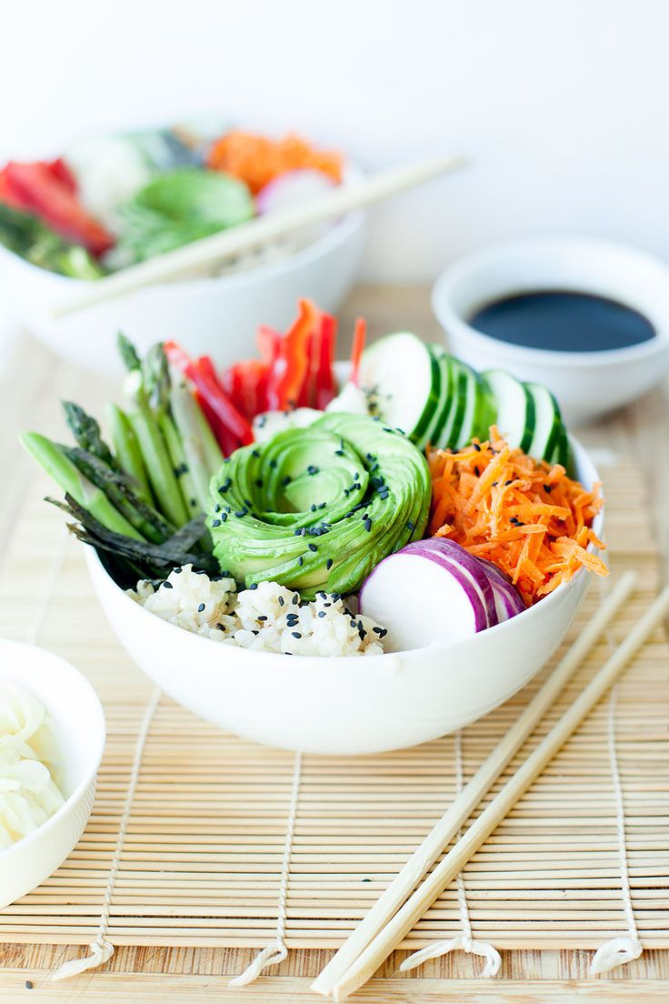 Seasonal sushi salad bowls are loaded with seasonal veggies and perfect for a healthy, quick, and easy weeknight meal. Vegan and gluten free.