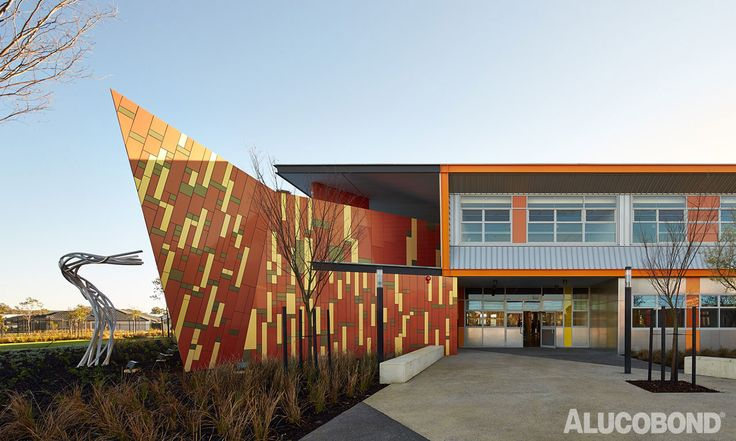 "Located south of Perth the Baldivis Secondary School is a ""Learning Workshop,"" a centralized learning hub that sits under a ""warehouse style roof"". The principles of the school's design were community and sustainability to re-imagine the archetypical Australian industrial shed and to use the undercover area as a place of exceptional school civic value. The ALUCOBOND® panels in diverse colours form an interesting geometry on the envelope. Photo: Peter Bennets ‪#‎alucobond‬…"
