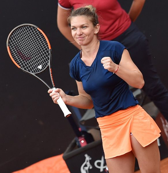 Simona Halep Photos Photos - Simona Halep of Romania celebrates winning her semi final match against Kiki Bertens of the Netherlands during The Internazionali BNL d'Italia 2017 - Day Seven at Foro Italico on May 20, 2017 in Rome, Italy. - The Internazionali BNL d'Italia 2017 - Day Seven