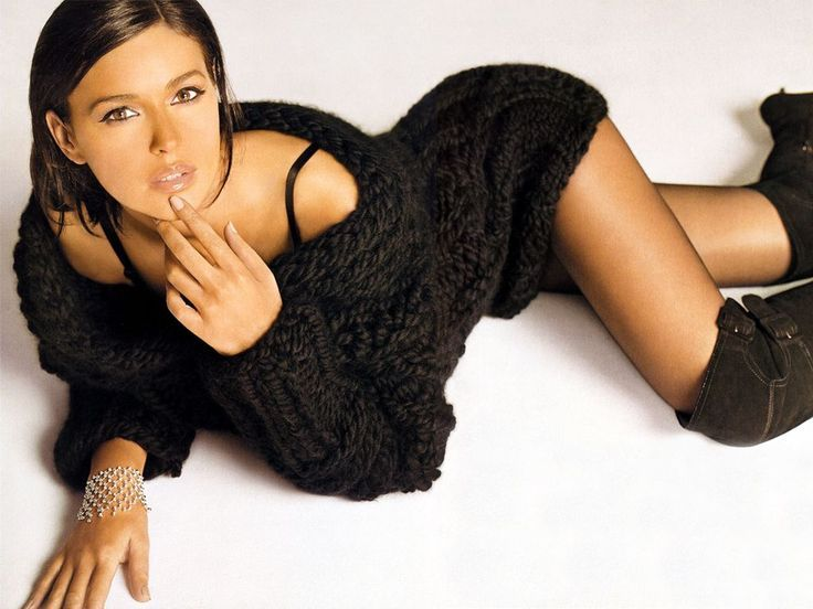 Monica Bellucci In Suede Boots - Yahoo Image Search results