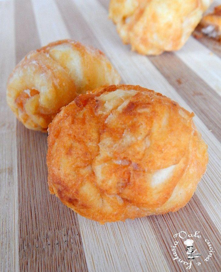 palline di pizza fritte al pomodoro e parmigiano facilissime e sfiziose ottime per un'aperitivo ed un 'antipasto