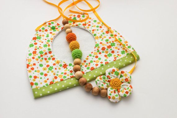Sunny LIme Gift Set: Nursing Necklace/Teething and Baby Bib