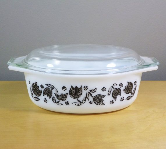 Pyrex 043 in Black Tulip Pattern 1957 Christmas by TheGreenFinch, $36.00