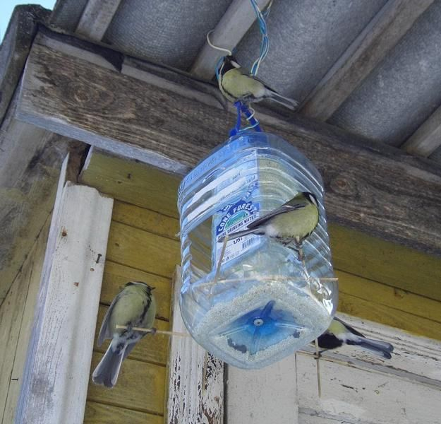 how-recycle-plastic-bottles-bird-feeders (12)
