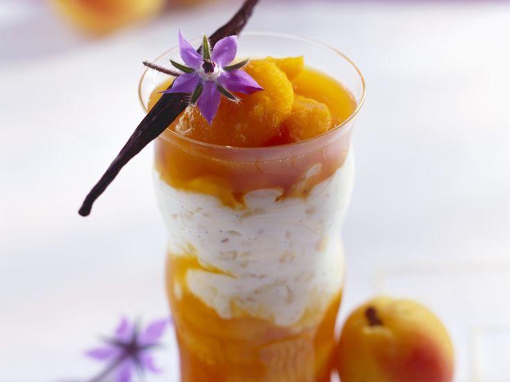 Ein cremig-fruchtiger Traum. Milchreis mit Aprikosenkompott - smarter - Zeit: 45 Min. | eatsmarter.de