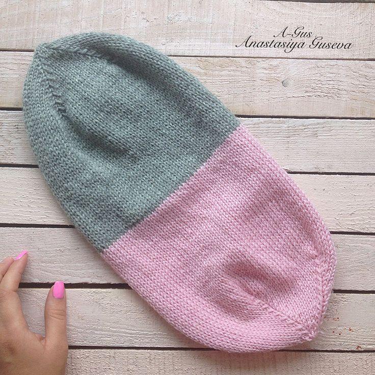 Очень интересная Шапочка можно связать однотонную , а можно в двух тонах для разнообразия гардероба ... Так как она двойная и уже не требует вшивания флиса в зимнее время года пряжа представлена и купленна в магазине @knitmania.ru на зимний ассортимент скидка 10% ✔️ запасайтесь шапочками или пряжей #knitting #knittinglove #вяжу #вязание #дача #дождь #деньги #работа #любимаяработа #вяжуназаказ #вяжуслюбовью #вяжутдетям #курсы #шапка #школавязания #новосибирск #вяжетновосибирск