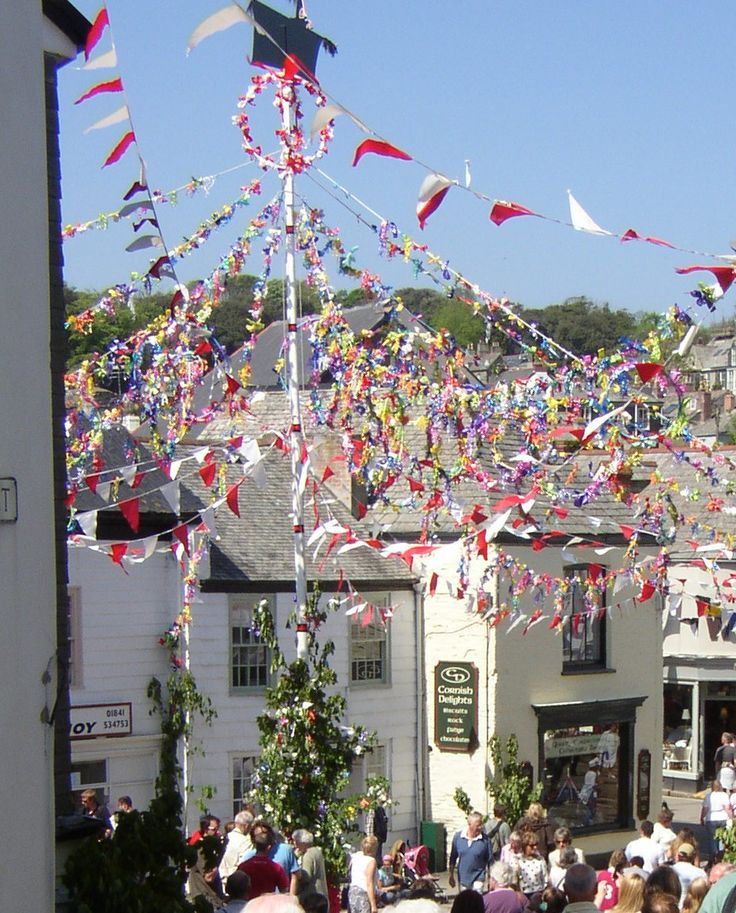 Padstow Obby Oss Maypole - 1st May 2002