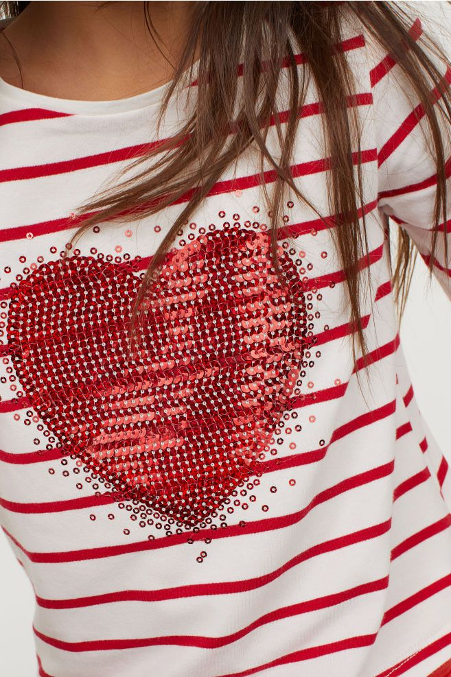 1e60ab0358ff H&M Jersey Top with Sequin Motif - Red in 2019   Girls xmas   Tops, Long  sleeve tops, Fashion