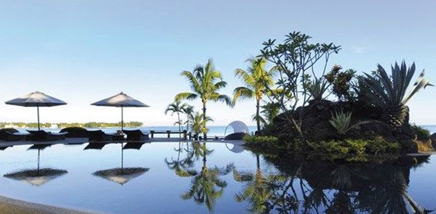 Mauritius - Een tropisch eiland waar je je volgens de bezoekers van Tripadvisor nooit verveelt. Scoren hoog op hun lijstje: een bezoek aan de markt en haven van Port Louis, de moderne hoofdstad van het eiland, diepzeevissen in de Rivière Noire en de resorts in gebieden als Mont Choisy, Trou-aux-Biches en Flic en Flac