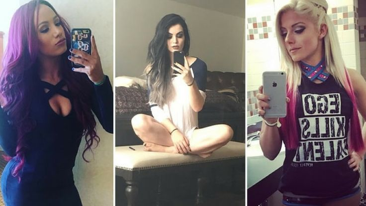 Top 10 Hottest WWE Selfies You NEED To See