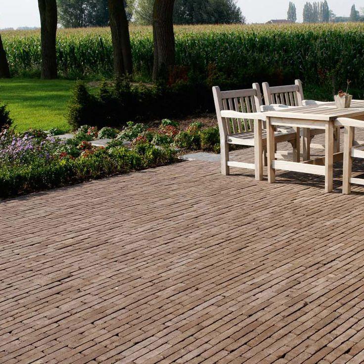 Wienerberger gebakken bestrating - Referentie tuin uit Classica-serie sierbestrating