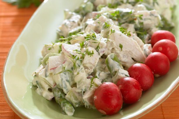 Smørrebrød - Hønsesalat (recipe in Danish)