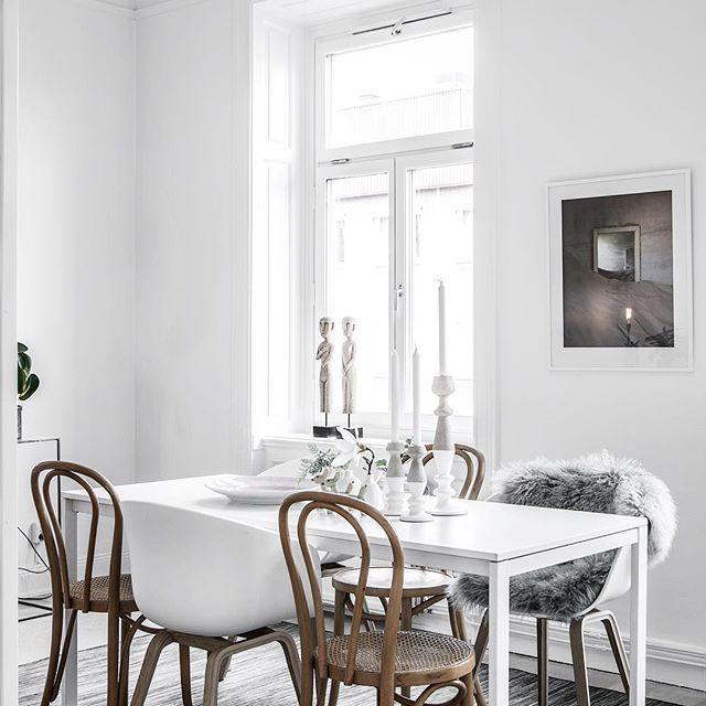 ★ Krukmakargatan 2 Nyrenoverad sekelskiftestvåa med härlig takhöjd Ansvarig Mäklare: Åsa Von Zweigbergk ———————————————————————— #interior #interiordesign #nordiskahem #södermalm #home #realeatate #livingroom #scandinavianhome #interiordecor #interiØr #bedroom #photooftheday #interior4all #interiors #interior123 #design #room #roomforinspo #instahome #skandinaviskehjem #m #interiorforyou #interiordetails #instagood #retro #vintage #homedecore #homesweethome #instaday