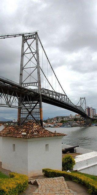 Hercílio Luz Bridge - Sta. Catarina - Brazil