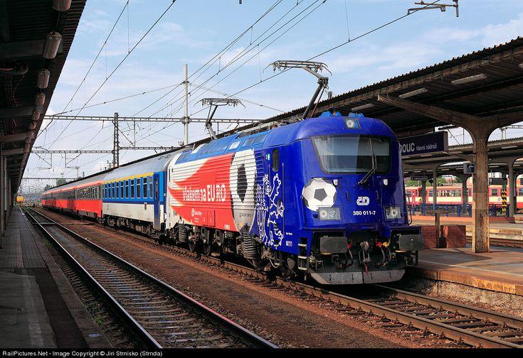 RailPictures.Net Photo: 380.011-7 CD - Ceske Drahy multi system locomotive at Olomouc, Czech Republic by Jiri Strnisko (Strnda)