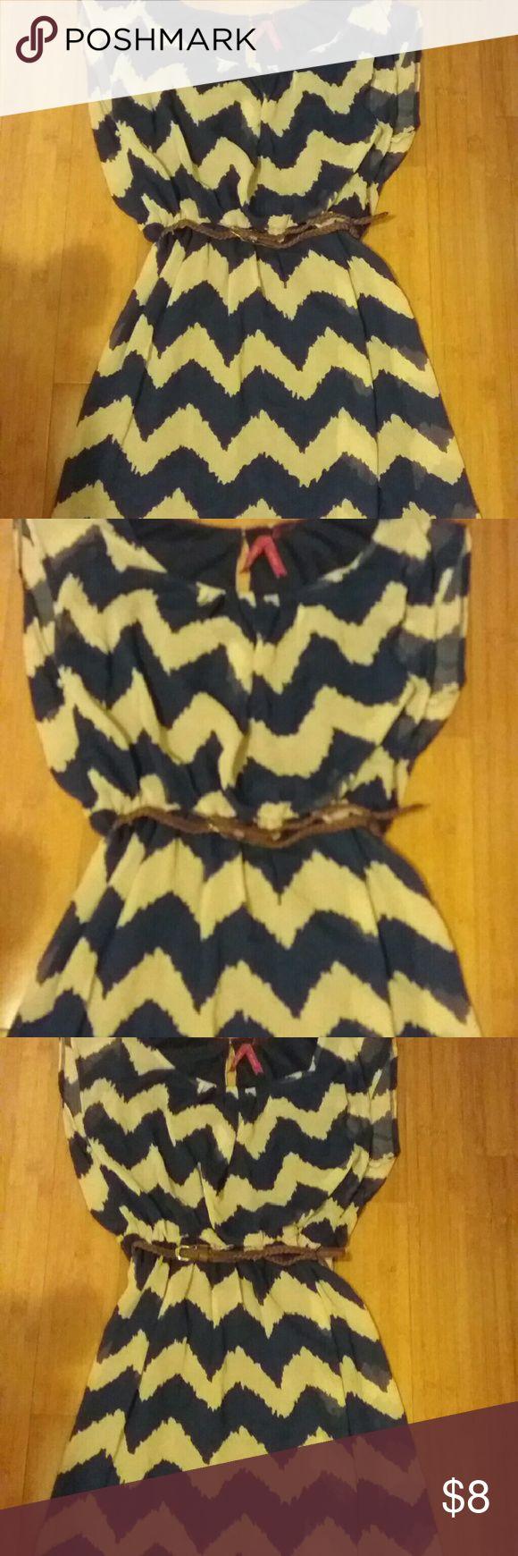 Blouson dress with chevron print Navy blue and cream colored chevron print, elastic waist with woven belt, nwt. Dresses Mini