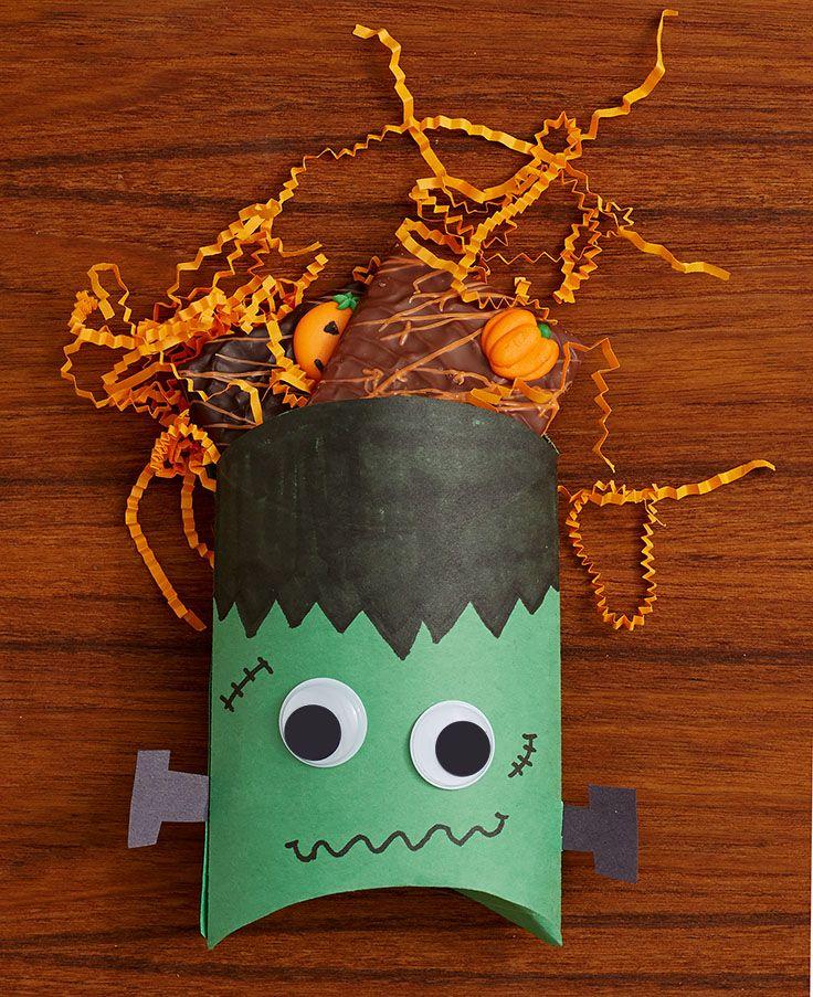 dc943c5c019585034e4f3e5f2aa3617d halloween treat boxes easy halloween treats