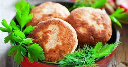 SQUASH-CHICKEN CUTLETS