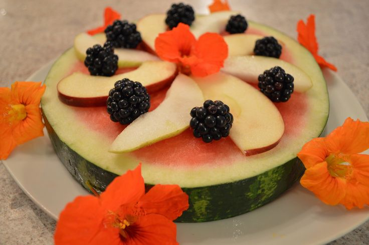 It's the perfect weekend to make #Watermelon #Fruit #Pizza - here's how! A fun #dessert for kids & adults alike AND featured on ifood TV!  Cooking Show: http://ifood.tv/pizza/1016535-how-to-make-watermelon-fruit-pizza   * Get more @ Cooking With Kimberly: http://cookingwithkimberly.com @CookingwithKimE #cwk