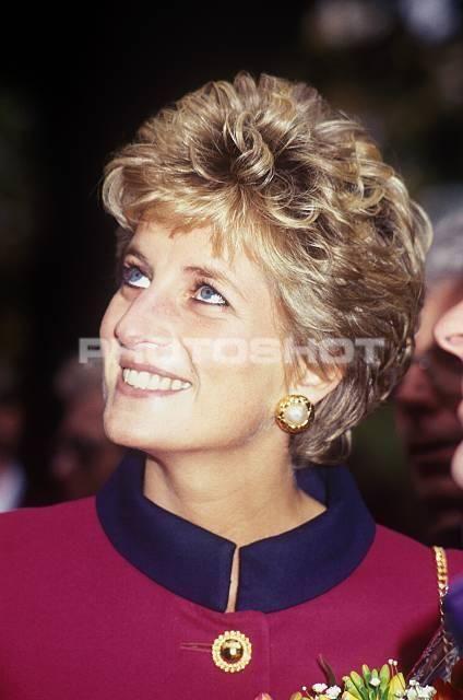 Diana, Princess of Wales Visiting Bolton School.