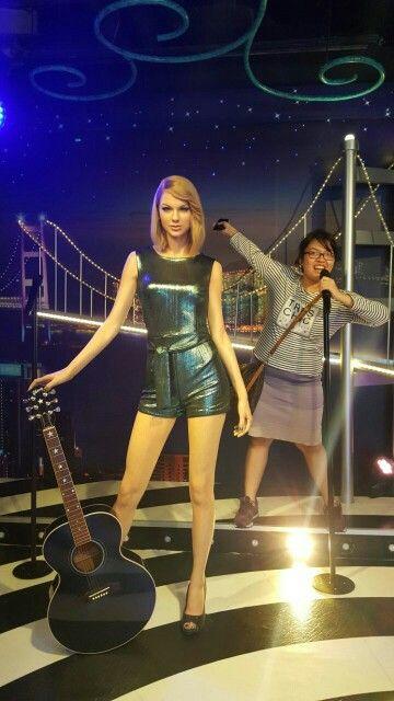 Taylor Swift 😀