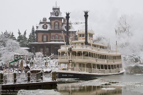 #Disneyland Paris. Mark Twain Riverboat in front of the Phantom Manor with Snow in Frontierland #DLP #DLRP #Disney