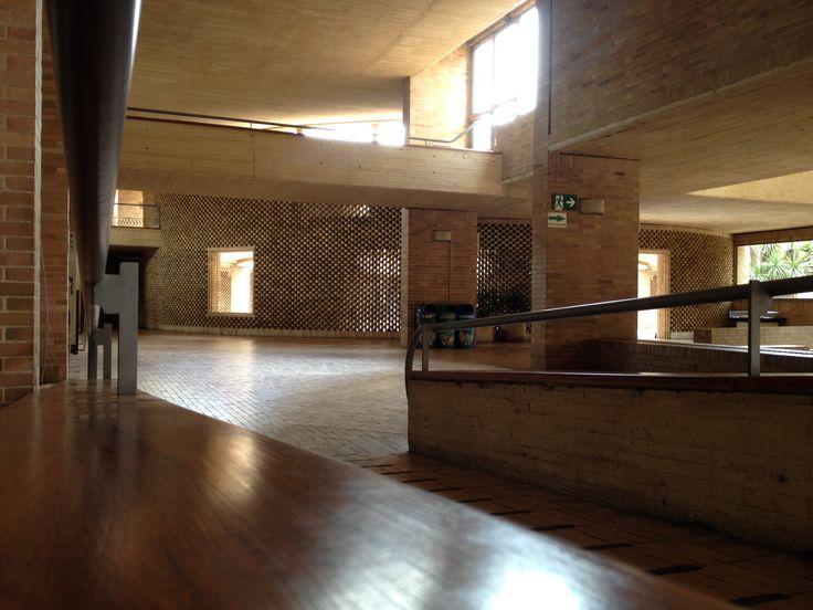 Edificio Posgrados Ciencias Humana Universidad Nacional de Colombia Arq. Rogelio Salmona