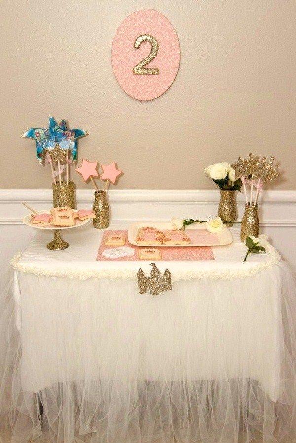 Tul y siluetas de purpurina para una mesa de fantasía / Tulle and glitter for a fantasy table