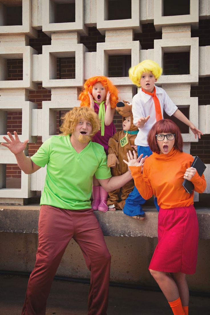 Family Halloween costumes, Scooby Doo Halloween costumes, family costume ideas, coordinating family costumes
