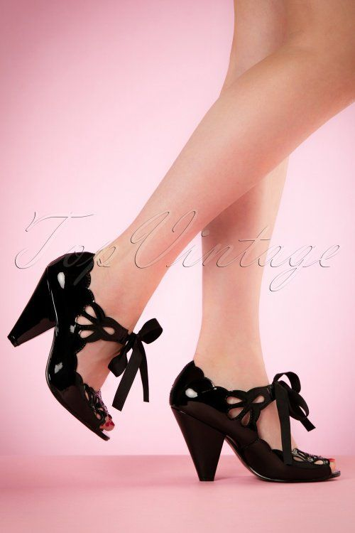 € 79,95 Bettie Page Shoes Helen Peeptoe Pumps 403 10 19959 02232017 006W