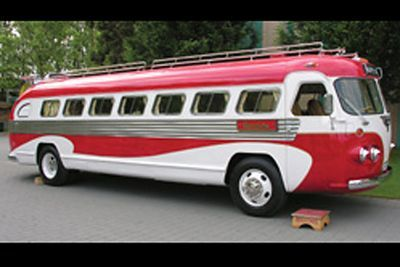 1963 Felxible Starliner bus THIS IS THE BUS CAMPER FROM THE MOVIE RV. WITH ROBIN WILLIAMS... WE WILL MISS YOU ✏✏✏✏✏✏✏✏✏✏✏✏✏✏✏✏ AUTRES VEHICULES - OTHER VEHICLES ☞ https://fr.pinterest.com/barbierjeanf/pin-index-voitures-v%C3%A9hicules/ ══════════════════════ BIJOUX ☞ https://www.facebook.com/media/set/?set=a.1351591571533839&type=1&l=bb0129771f ✏✏✏✏✏✏✏✏✏✏✏✏✏✏✏✏