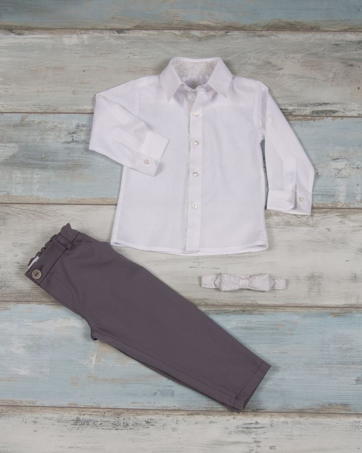 Shirt 100% poplin with lahouri details, matching bow and light gray capartine pants