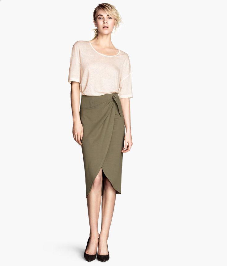 Khaki cool! We love this wrapover skirt. #HMTrend