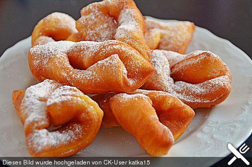 Russischer Rollkuchen, ein schönes Rezept aus der Kategorie Winter. Bewertungen: 51. Durchschnitt: Ø 4,4.