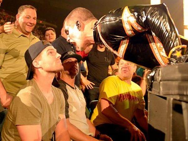 'Arrow' Star Stephen Amell To Appear In WWE Raw - http://www.thebitbag.com/arrow-star-stephen-amell-to-appear-in-wwe-raw/114143