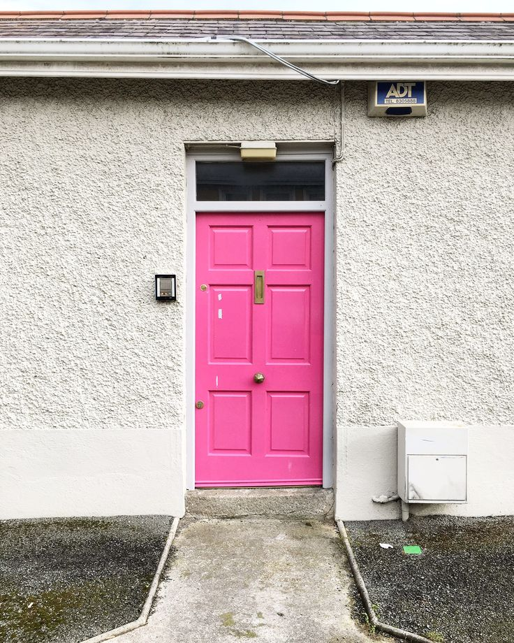 doors of Dublin, pink door