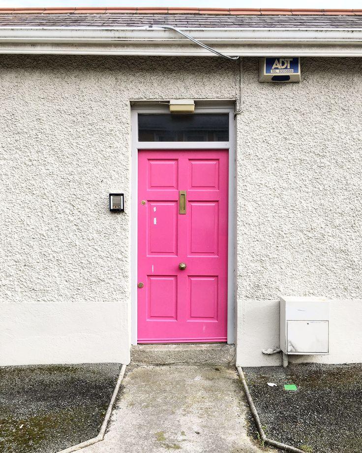 doors of Dublin, pink door