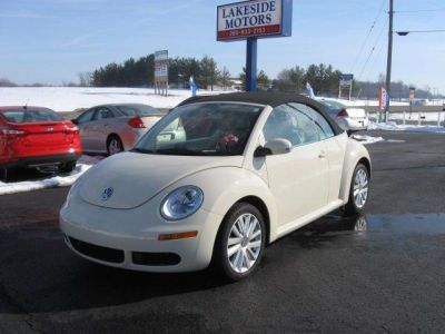 2008 Volkswagen New Beetle SE convertible http://www.iseecars.com/used-cars/used-volkswagen-new-beetle-for-sale