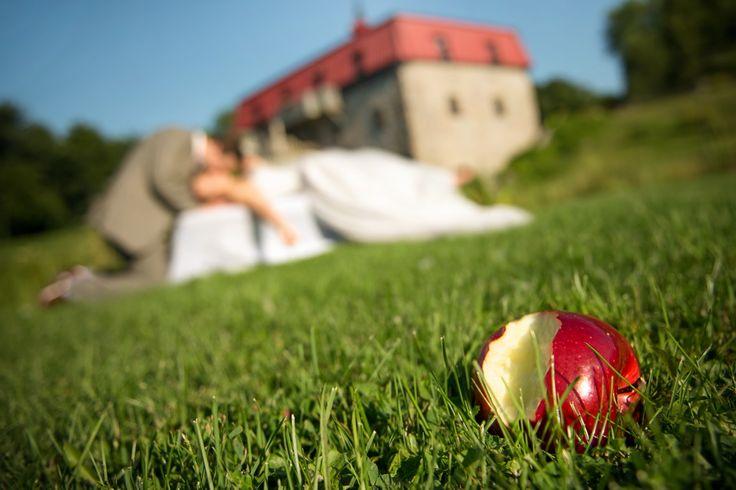 Photographe et phoographie de mariage à Montréal  Wedding photographer & photography based in Montreal (Quebec) original werdding picture, photo de mariage originale Visitez notre site : http://mariagesenimages.com