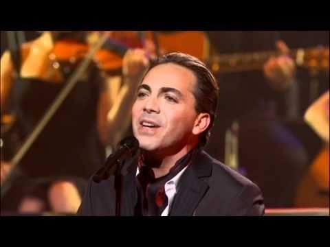 Yanni - Ni La Fuerza Del Destino (Vocal performance by Cristian Castro) Live 2009 HD - YouTube