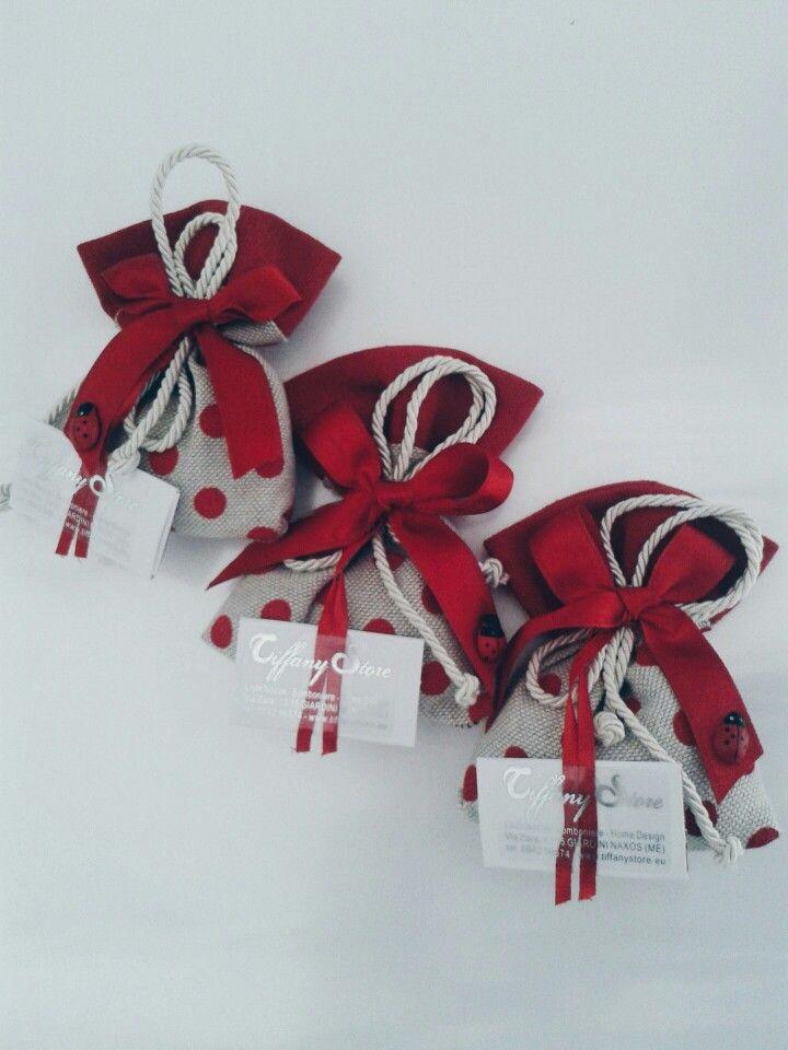 Finalmentearriva la tua Laurea, realizziamo per te originali sacchettini per festeggiare con i tuoi cari.
