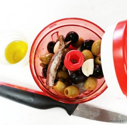 Recette de la tapenade d'olives rapide et facile, méthode Tupperware - French recipe