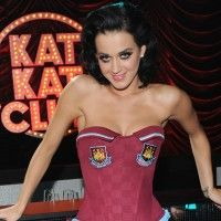 Katy Perry Biography and Latest Hd Wallpapers : On 25 October 1984 saw Katy Perry, whose real name Katheryn Elizabeth Hudson, into the world...Read More