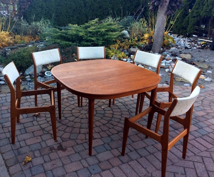 REFINISHED Danish Mid Century Modern Teak Dinning Table by Skovmand and Andersen  Rounded