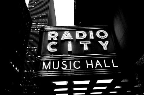 radio city, new york: Cities Music, Cities Hall, Favorite Places, I Heart Nyc, York Cities, Radios Cities, Hall Nyc, Kohls Nyc, Music Hall