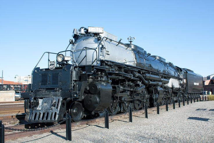 """Can't help pinning this engine """"Big Boy"""" articulated .  4 huge steam chests & 4 sets of huge drive wheels . Pivots in the middle """" gitter done """" ."""