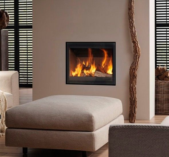 De #Dik #Geurts #Prostyle 700V is speciaal ontworpen voor inbouw in een bestaande situatie, de prostyles zijn voorzien van gescreend glas (donker antraciet bedrukte rand) . Bij verbouwing of renovatie kan een oude #haard eenvoudig worden vervangen door een moderne en milieuvriendelijke haard zoals de Dik Geurts Prostyle 700V met een hoger vermogen. #Kampen #Fireplace #Fireplaces #Interieur